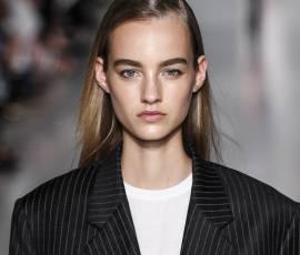 Jak wykonać prostowanie włosów prosto z wybiegu u DKNY ?